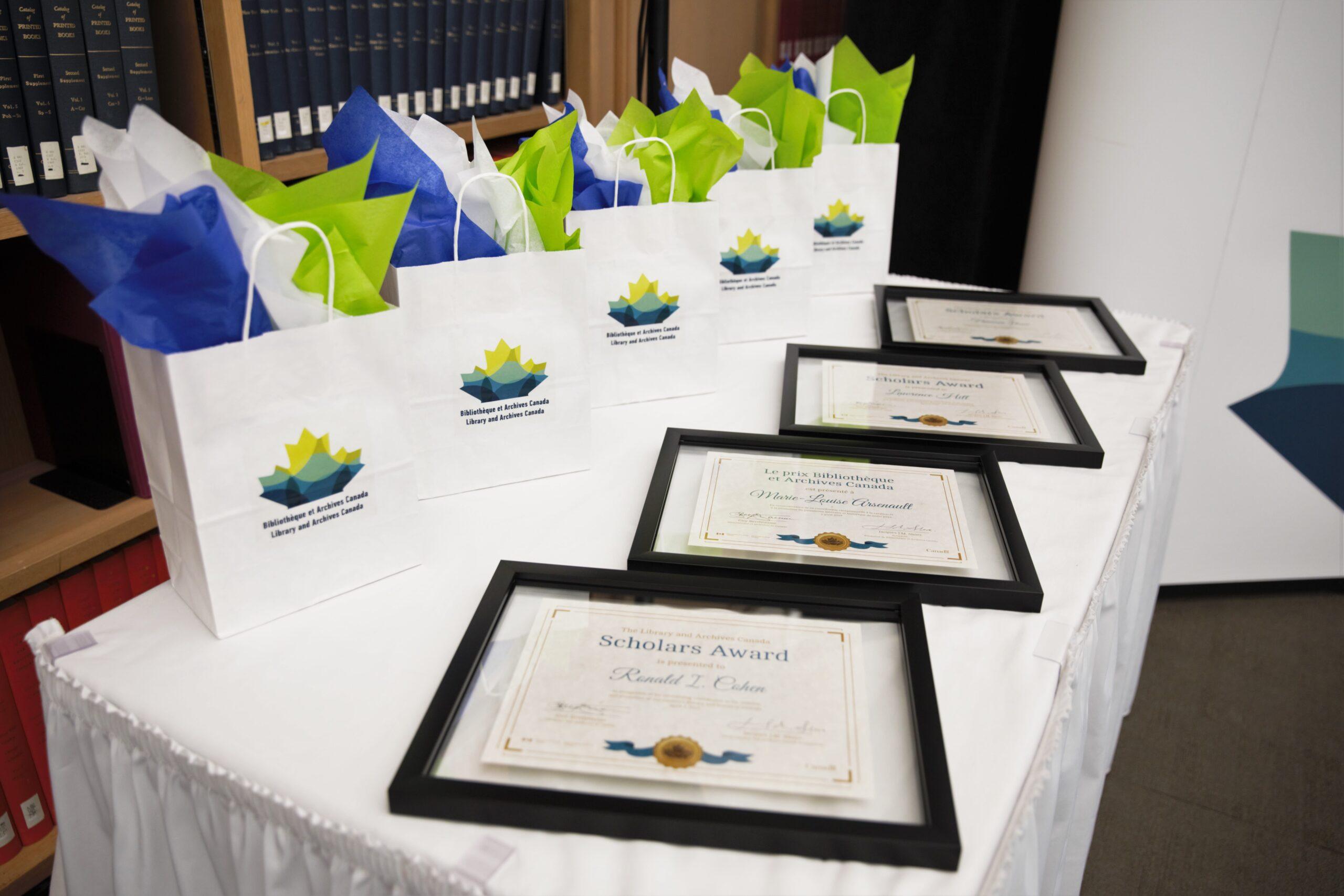 2019 LAC Scholar Awards certificates